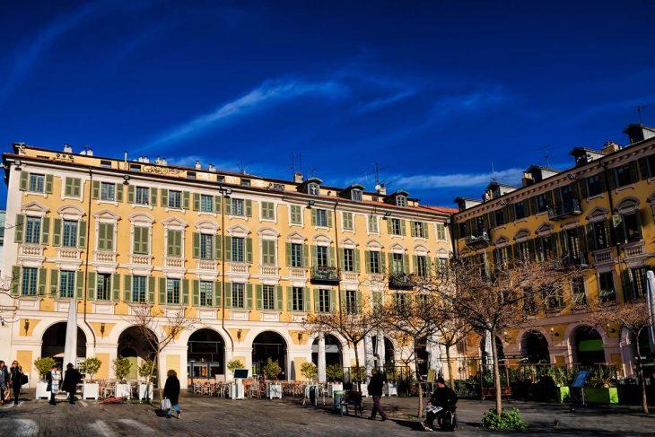 Garibaldi es una de las zonas más comerciales donde alojarse en Niza