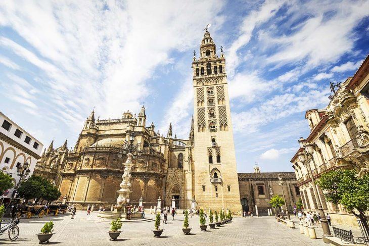 Visitar en Sevilla: La Giralda y la Catedral