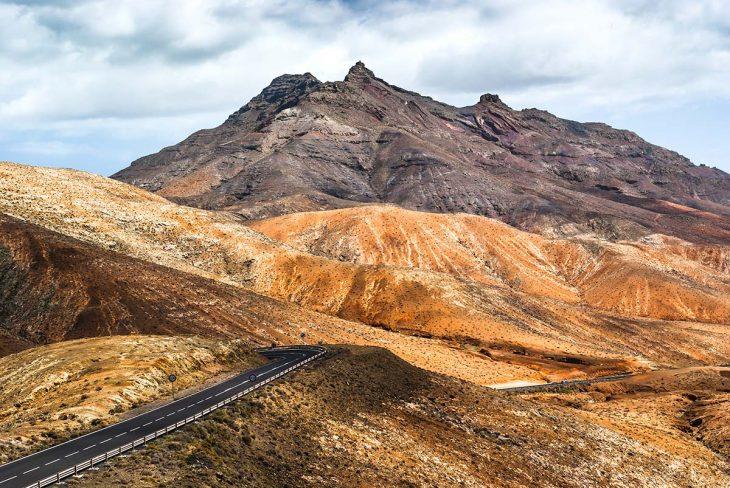 Visitar la Montaña de Tindaya: un espacio mágico de Fuerteventura