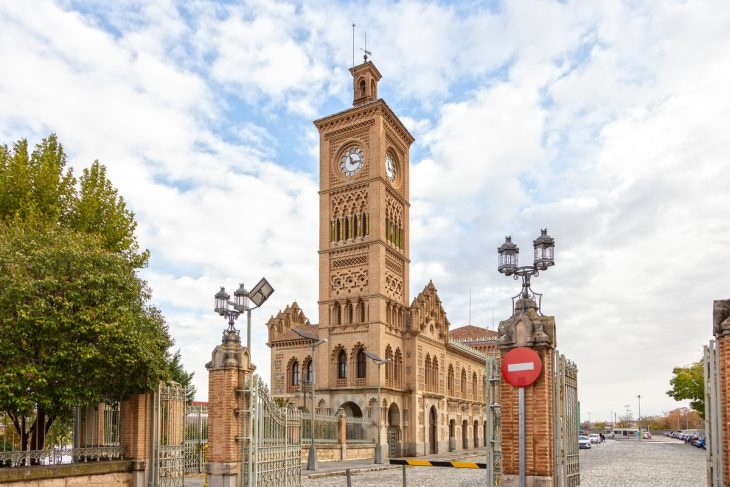 Zona de la estación de trenes - AVE, para viajeros de negocios