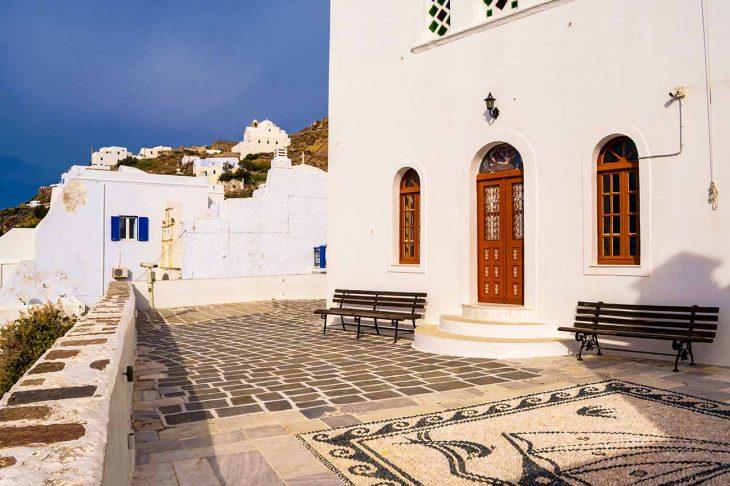 Plaka Milou, dónde dormir en Milos si buscas un poco de vida nocturna