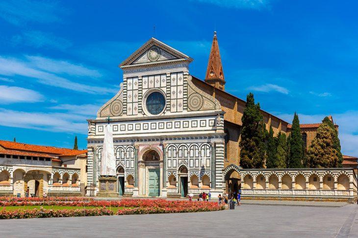Empieza tu segundo día para ver Florencia en dos días en la Piazza Santa Maria Novella